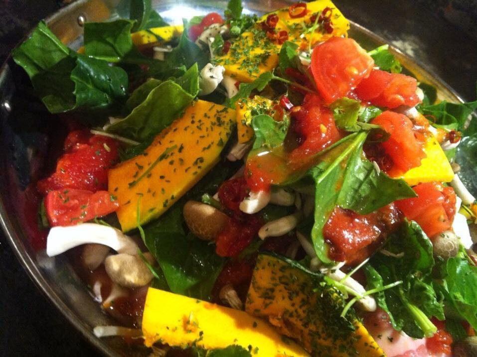 楽楽豚肉と野菜の鉄板焼き